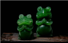 顶级碧玉之——菠菜绿的和田玉!